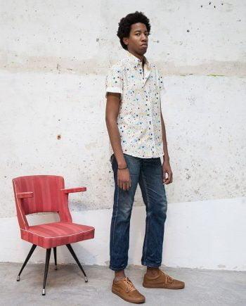 Camisa estampada dripping manga corta hombre