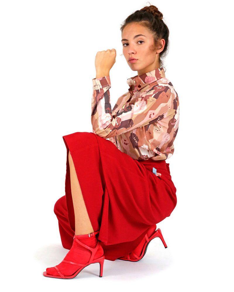 elegante pantalón rojo acampanado bolsillo estampados cintura alta hecho en España la peSeta
