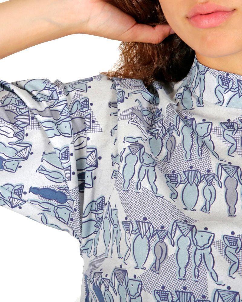 Vestido sexy corto azul camisero estampado con cuello mao y manga ranglan.