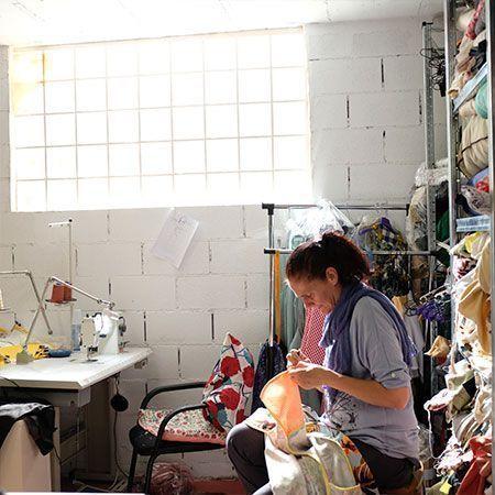 taller Customizando empresa social femenina y solidaria peSeta produce en España con respeto y ritmo