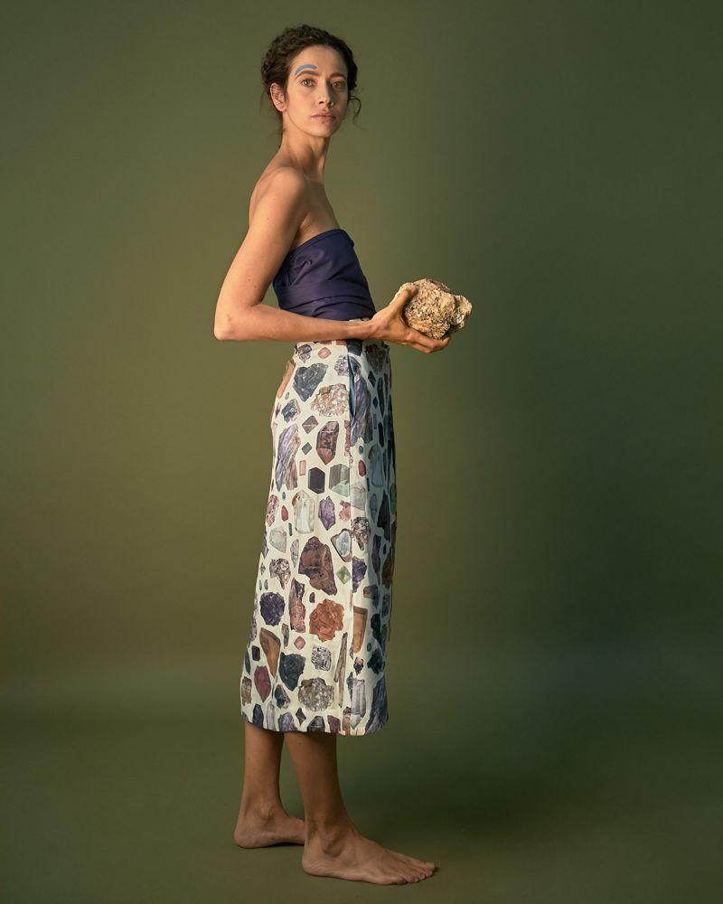falda estampada con minerales cruzada con bolsillos