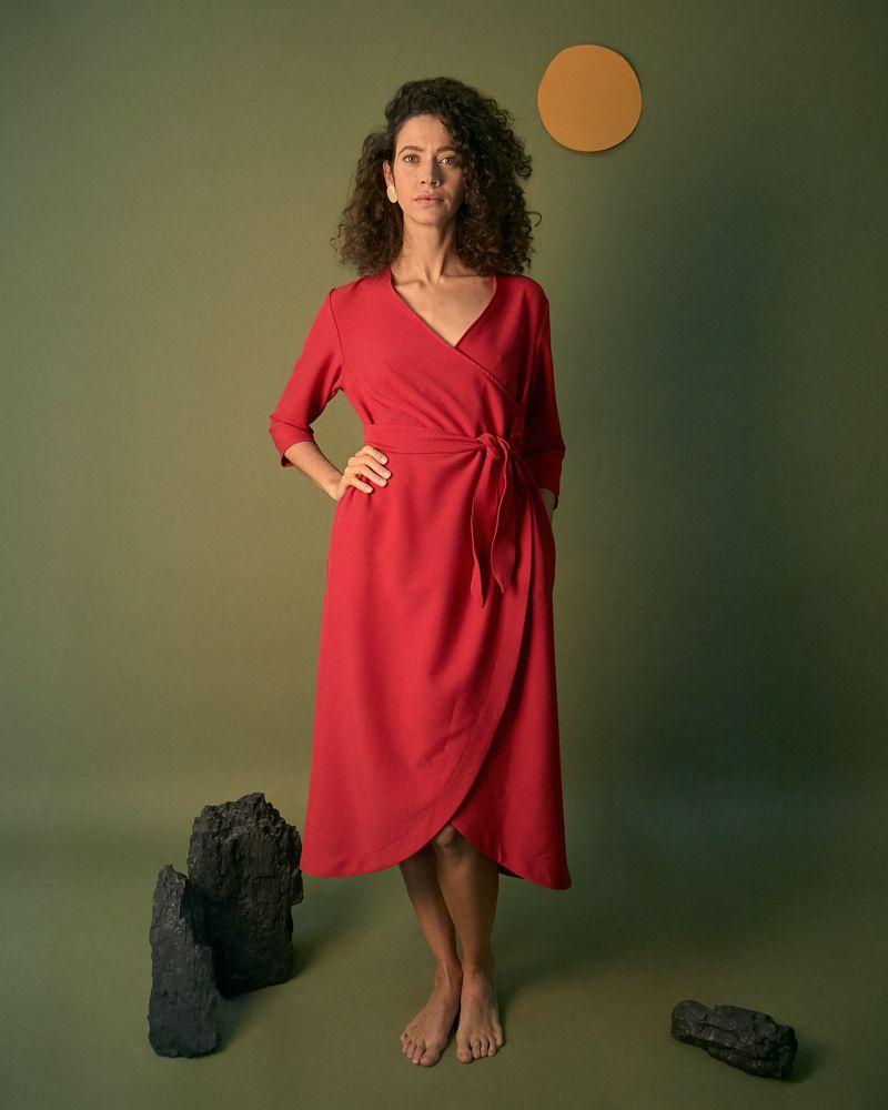 vestido rojo liso cruzado con manga francesa