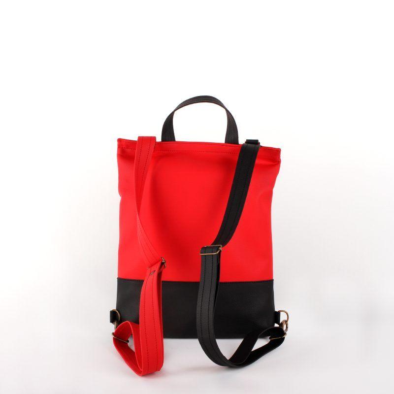 Bolso mochila convertible en bandolera