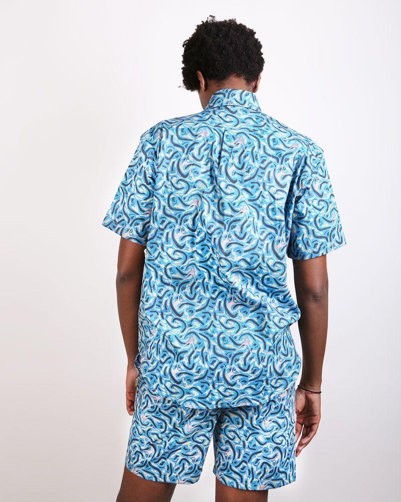 camisa azul estampada manga corta hombre corte clásico