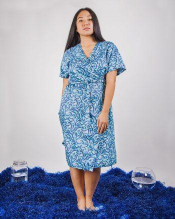 vestido estampado azul largo cruzado cierre nudo Anakena