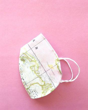 mascarilla higiénica estampada peSeta mapamundi rosa