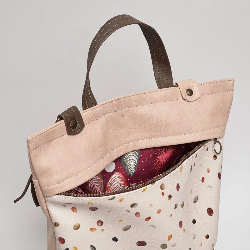 bolso mochila piedras