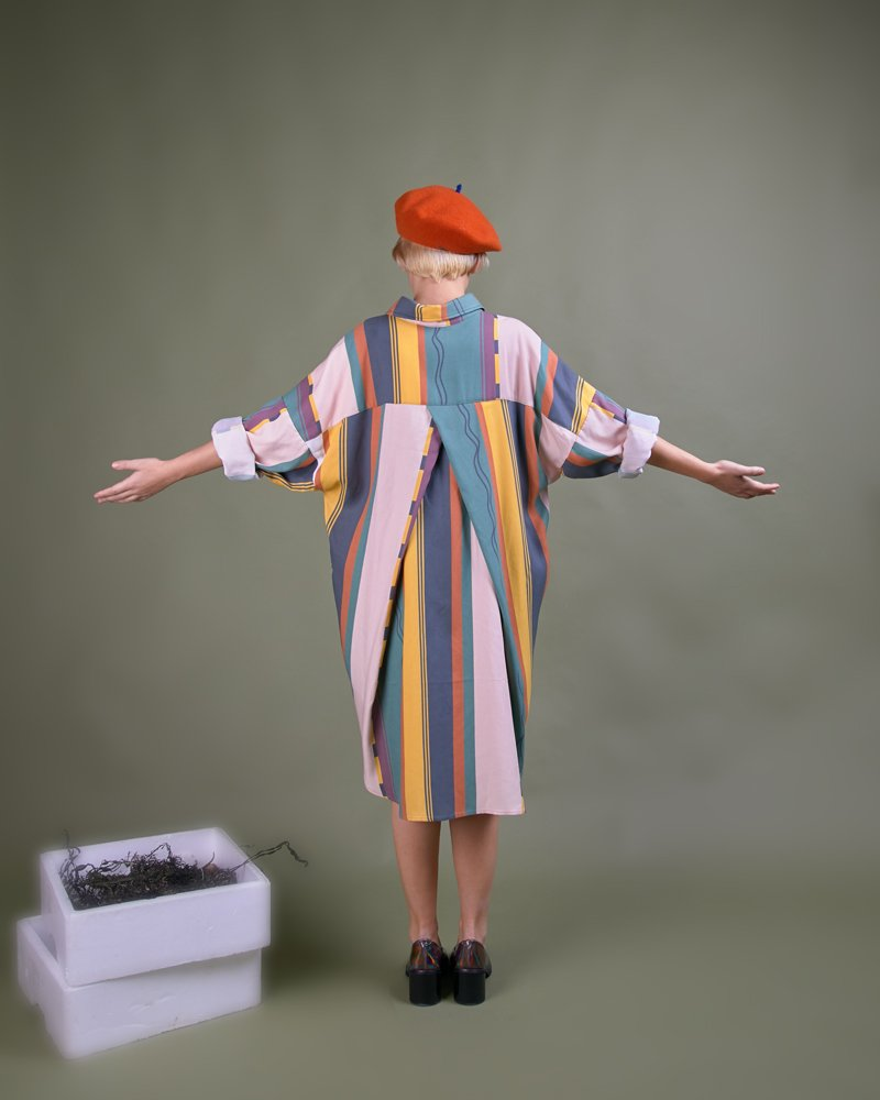 Blusón rayas oversize y boina tradicional Elósegui
