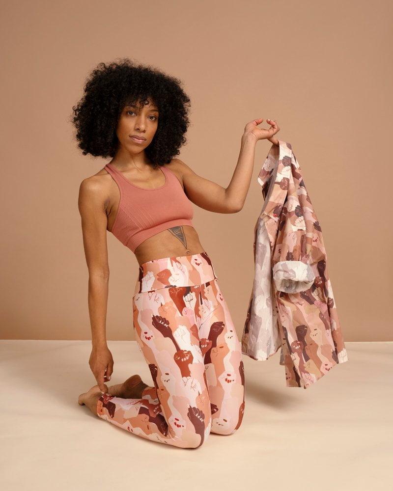 leggins casual fashion cintura alta y ancha unisex. Moda sostenibe hecho con plástico marino reciclado